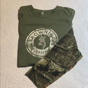 Men's small browning camo longsleeve shirt.